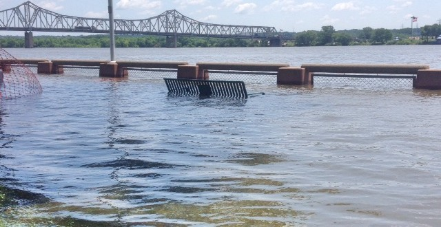 Flooding at the Peoria RiverFront. KAYLA NICOLE TYLER | THE HARBINGER